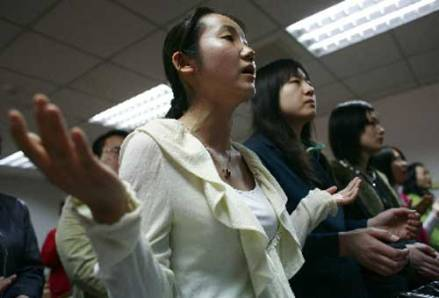 chinese-christians-singing