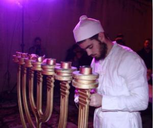 kohen-menorah