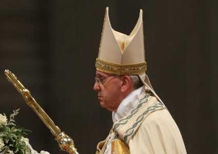 en-pope-francis-mitre