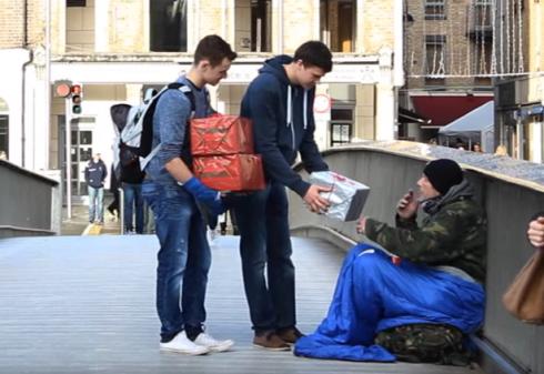 homeless-Christmas-gifts